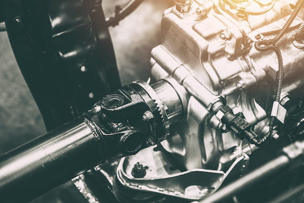 What are the Symptoms of a Bad or Failing Driveshaft?